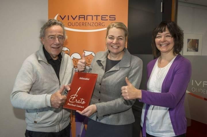 Foto © 2019 Vivantes – v.l.n.r.: Jos van Hoof (Bestuur Stichting Erato), Karin Veltstra (Raad van Bestuur Vivantes), Renate Dirks (vrijwilliger bij Vivantes voor Stichting Erato)